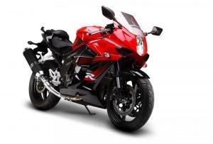 مقایسه موتور سیکلت هیوسانگ ریس۲۵۰ با kawasaki ninja 300